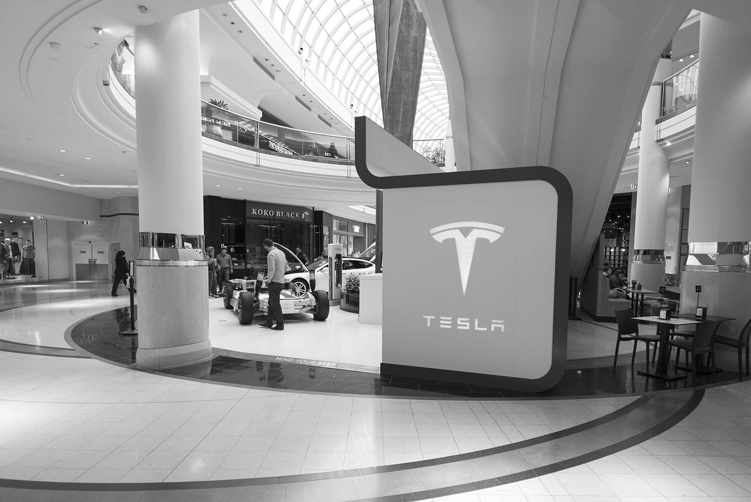 Tesla-L589