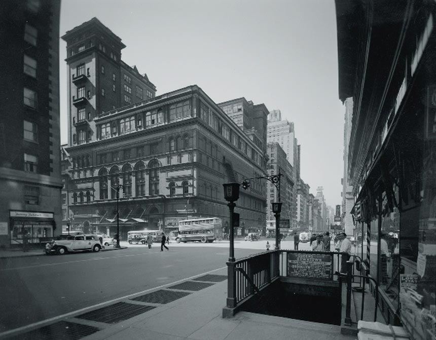 Florence---Carnegie-Hall-in-1944