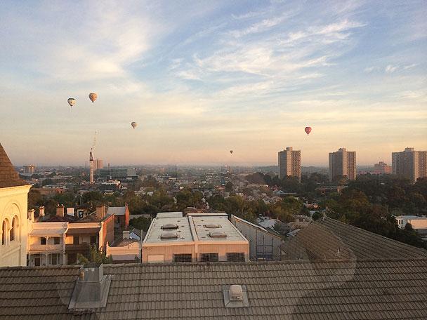 Morning-hot-air-balloons 608