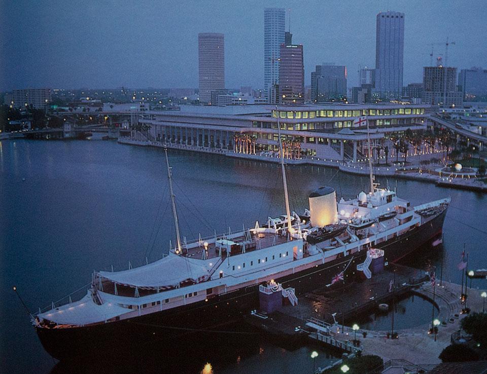 Royal-Yacht-in-Florida