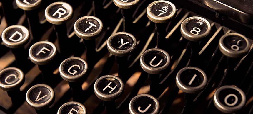 oold-typewriter-keys-860